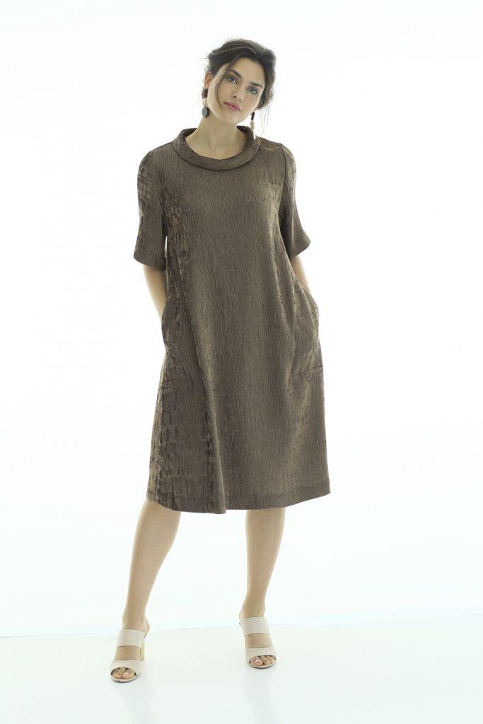 Kleid mit Struktur