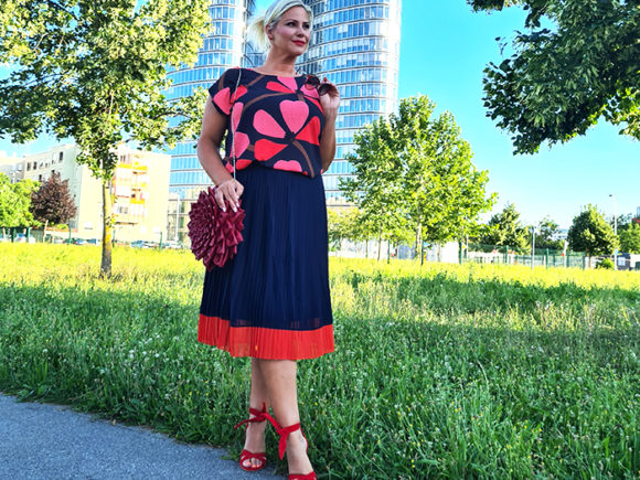 Instashop mit Mode der Plus size Influencer